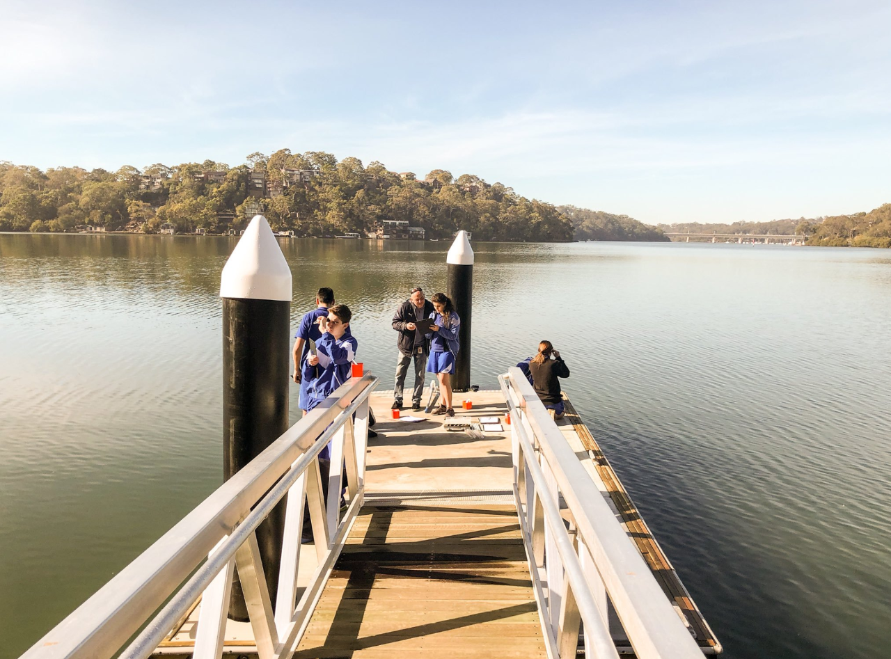 Students water testing at Oatley Park.